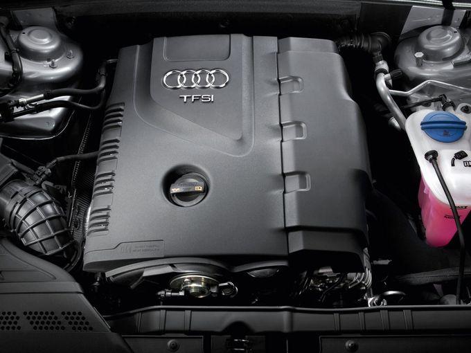 ▲4代目A4アバントの主力ユニットとなる直列4気筒の直噴ターボエンジン。排気量は1.8Lと2Lで、同じ2LでもFF向けと4WD向けではセッティングが異なり、4WD向けの方がやや高出力です