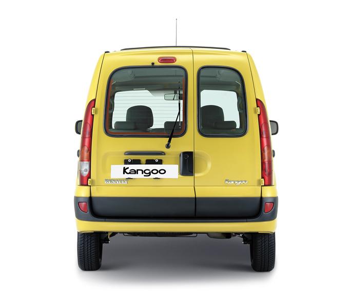 ▲フランス生まれの背高ワゴン。本国では商用車として使われることが多いモデルゆえ、積載性はお墨付き。天井備え付けのオーバーヘッドコンソールで頭上空間を効率よく使える