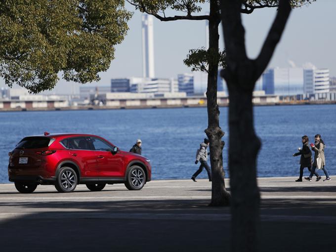 ディーゼル車はパワーを、ガソリン車はインテリジェンスを手に入れたマツダ CX-5