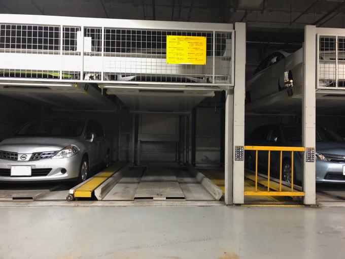 ▲機械式駐車場に入る車のサイズはかなり限定的。5ナンバーサイズでもトールワゴンだと頭がつかえる。軽でもジムニーはNG!