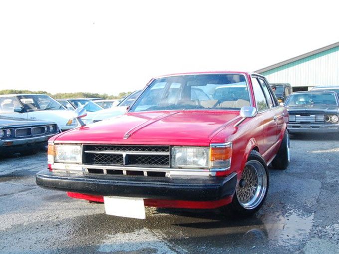 ▲1980年に登場し、1代限りでその名を消したトヨタ セリカカムリ