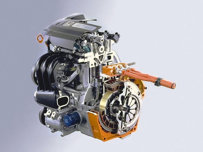 ▲「ホンダIMAシステム」は、エンジンを主動力、モーターを補助動力として力強い加速と低燃費を両立させた、軽量でシンプルなハイブリッドシステムだ