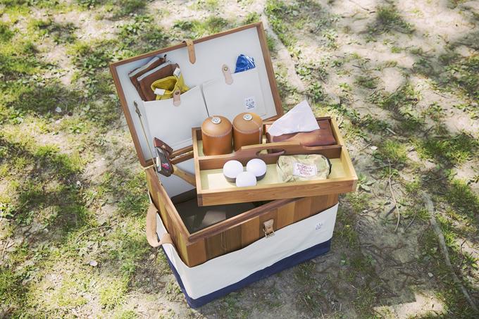 ▲「T.S.L CUB」という日本のブランドの木製トランクを愛用。丈夫で無駄のない作りが特徴で、上品なデザインが優雅な週末キャンプを演出する