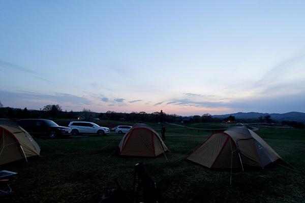 ▲キャンプって楽しいけど、荷物がすごい多いんだよなー