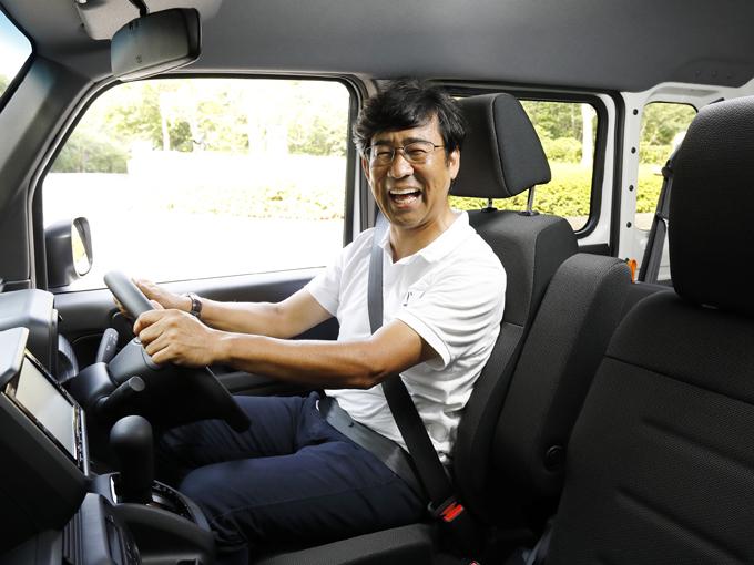 ▲軽バンとは思えない静粛性とドライバビリティの高さに驚く。運転性の高さは商用車を運転するドライバーにとっては負担の軽減につながる。これは仕事がはかどりそうだ!