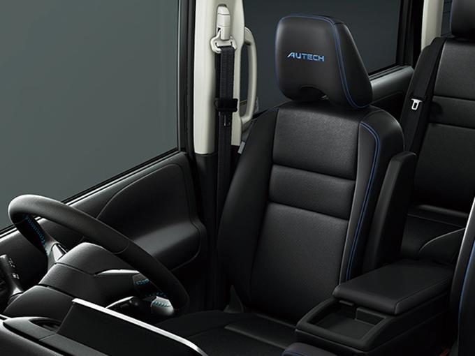 ▲シートは適度なホールド感。ロングドライブでは疲労を軽減してくれるだろう