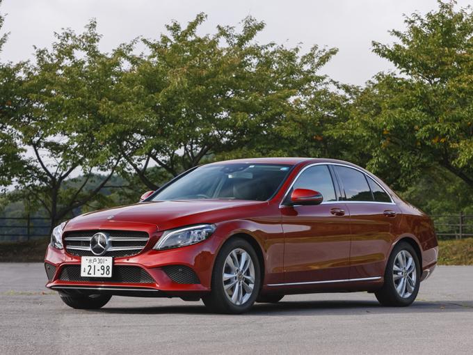 ▲メルセデス・ベンツ日本広報部によると、目玉はセダン。ちなみに、日本で販売する量販モデルほぼすべて、このタイミングでランフラットタイヤを廃止したそうだ。より日本の道路での乗り心地に期待ができる