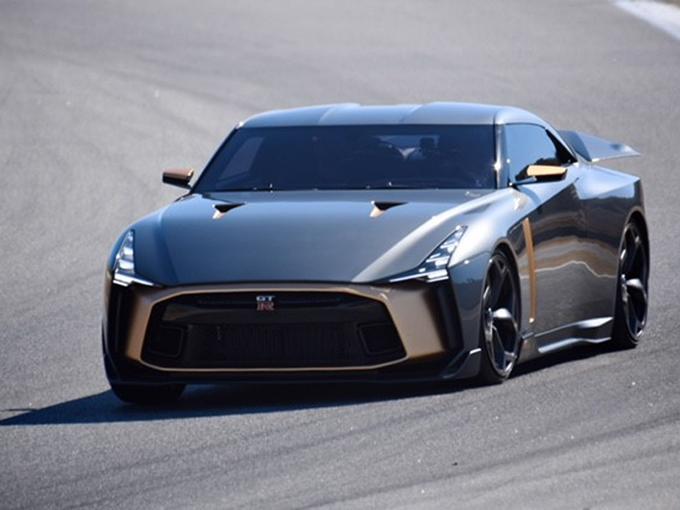 NISSAN GT-R 2018年モデルでの700kmドライブと、サンディエゴで見たGT-R50