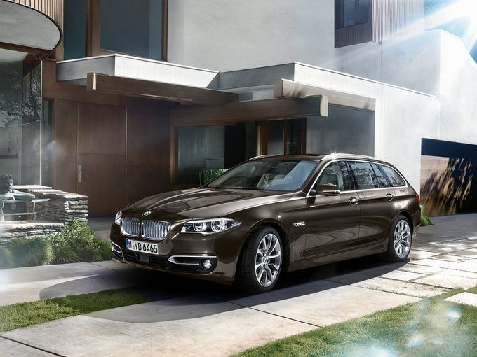 旧型の4代目『BMW 5シリーズ ツーリング』は今や総額100万円台で買えるんです!【高そうに見えて意外と安い?】