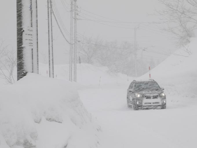 ▲銀山温泉に近づくにつれ、東京の人間にはまるで異次元ともいえるほど雪深くなる