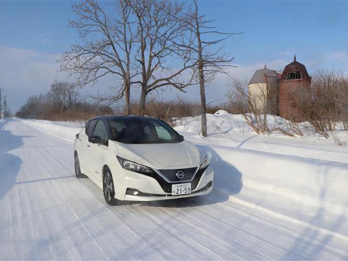 ▲公道、と言ってもクローズドコースと変わらず雪深い景色が続く北海道の試乗コース
