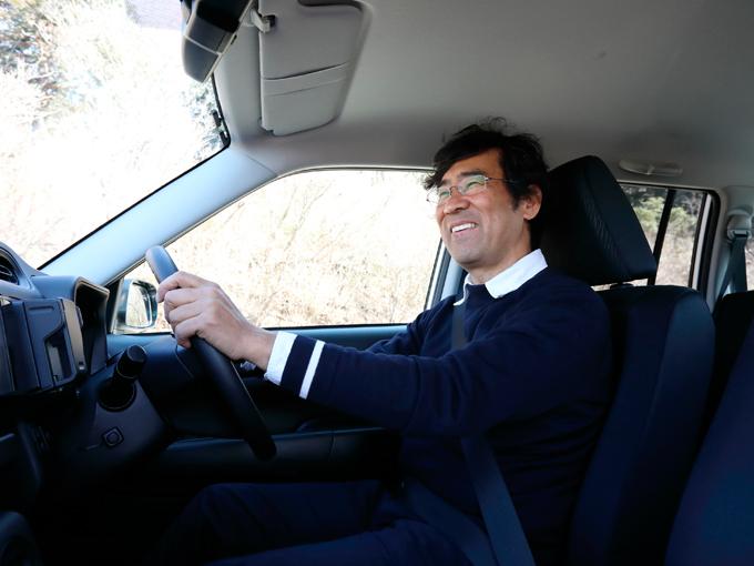 ▲商用車を運転した経験がある人なら感じたことがあるかもしれないが、商用車は運転が楽しい。簡素な装備で車重を抑えてあるため、車の動きがダイレクトに感じられるのだ。運転好きな人にはぜひ一度経験してもらいたいと思う