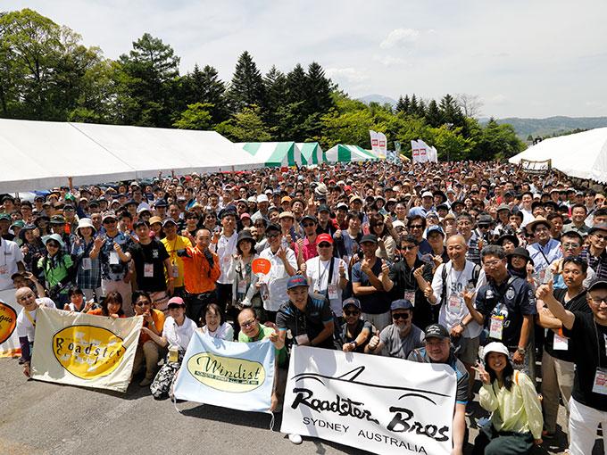"""メーカーの人も""""いち参加者""""。1000台以上のロードスターが集結する「軽井沢ミーティング2019」"""