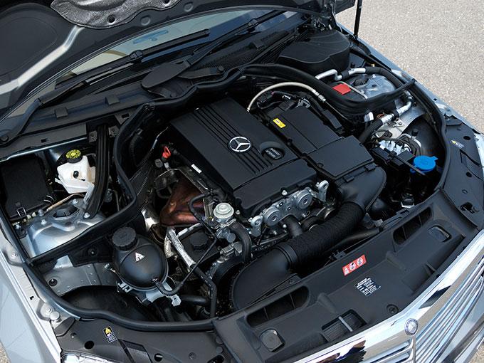 ▲C200コンプレッサーに搭載されるエンジンはスーパーチャージャー付き1.8L 直列4気筒で、最高出力184ps、最大トルク250N・mを発生する