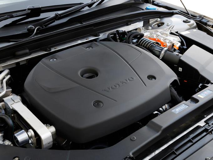 ▲エンジン単体で馬力が253ps、最大トルクは350N・mを発生させる