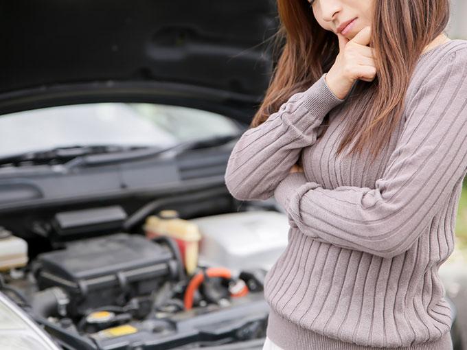 バッテリー 原因 車 上がる