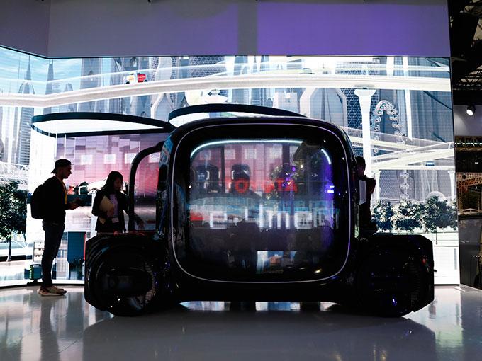 来年発売される車はひとつもない」トヨタブースは未来の