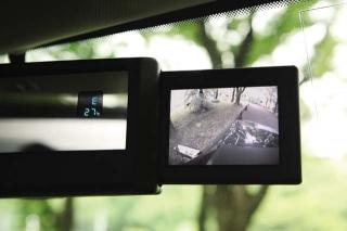 ハマー H3 V8 補助カメラ用モニター|ニューモデル試乗