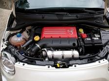 写真:1.4lターボエンジンはパワフルです|試乗by西川淳
