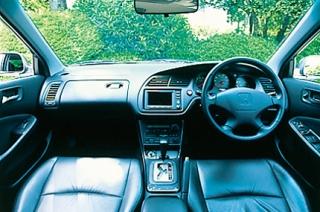 ホンダ アコードワゴン SiR 4WD インパネ|ニューモデル試乗