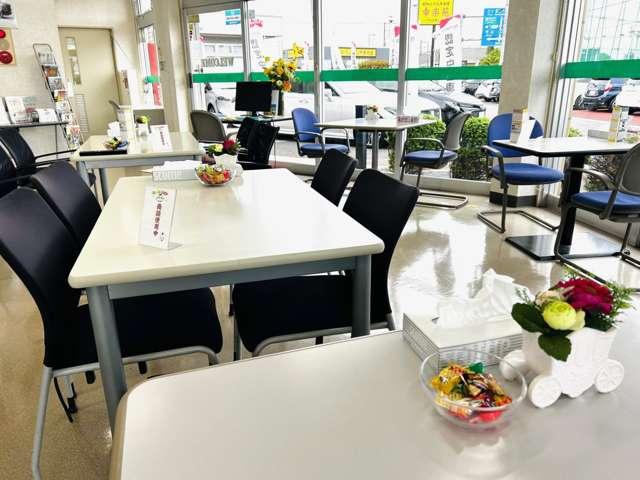 軽自動車から上級セダンまで充実したお車を展示しております