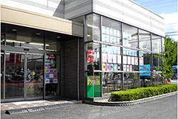 滋賀三菱自動車販売(株) 水口店の店舗画像