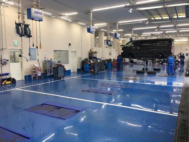 【整備工場】サービス工場併設!トヨタディーラーならではの安心をご提供!納車前にはプロのメカニックが丁寧に整備いたします。