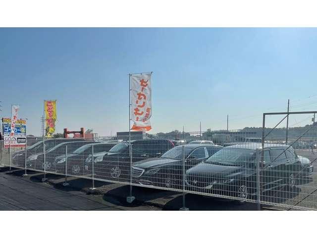 900坪の広い敷地に各種車両を展示しております。在庫にないお車もお探しいたします★